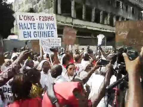 """""""Touche pas à ma soeur"""", manifestation contre les violences sexuelles à Conakry"""