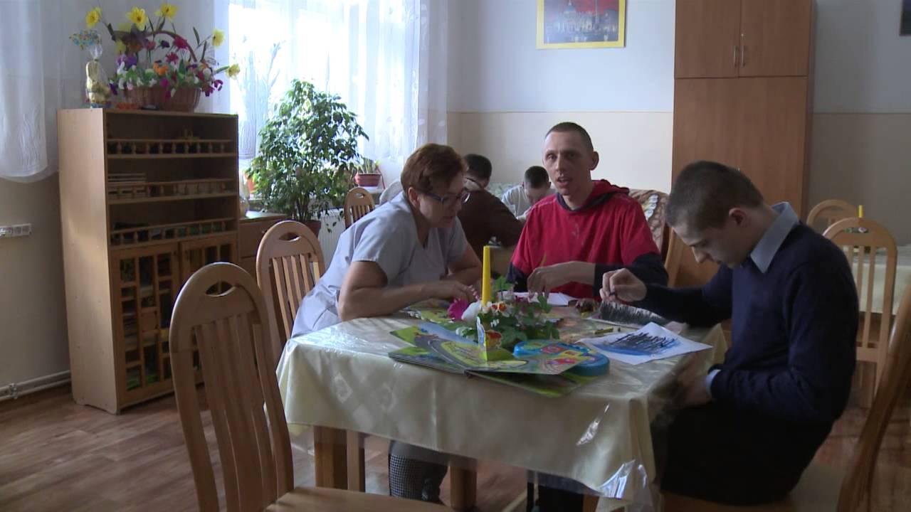 Przykładowi pensjonariusze domu pomocy społecznej