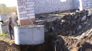 Устройство автономной канализации загородного дома — септика(http://st22.su/backhoe-loader.html ------------------------------------------ Экскаватор-погрузчик JCB 3 CX произвёл выемку грунта для организац..., 2013-07-08T04:39:02.000Z)