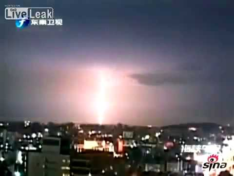 SCARY!!!! Lightning storms in CHINA, JAPAN AND TAIWAN