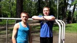 Workout | Базовые упражнения для начинающих. Как правильно отжиматься на брусьях.