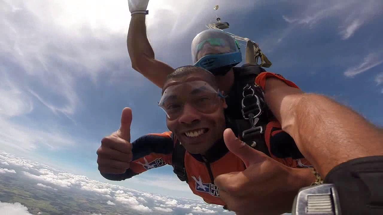 Salto de Paraquedas do Hebert na Queda Livre Paraquedismo 08 01 2017