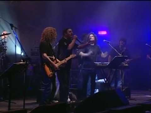 El Cantante -Andrés Calamaro & Vicentico- En vivo Made in Argentina 2005.