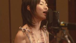 Repeat youtube video Natsumi Kiyoura - Tabi no Tochuu (Live) - Spice and Wolf OP (High Quality)