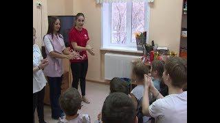 Волонтеры медколледжа в детском стационаре