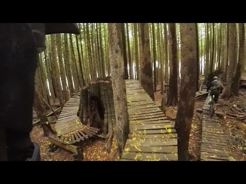 25 minutes of North Shore Freeriding - GoPro