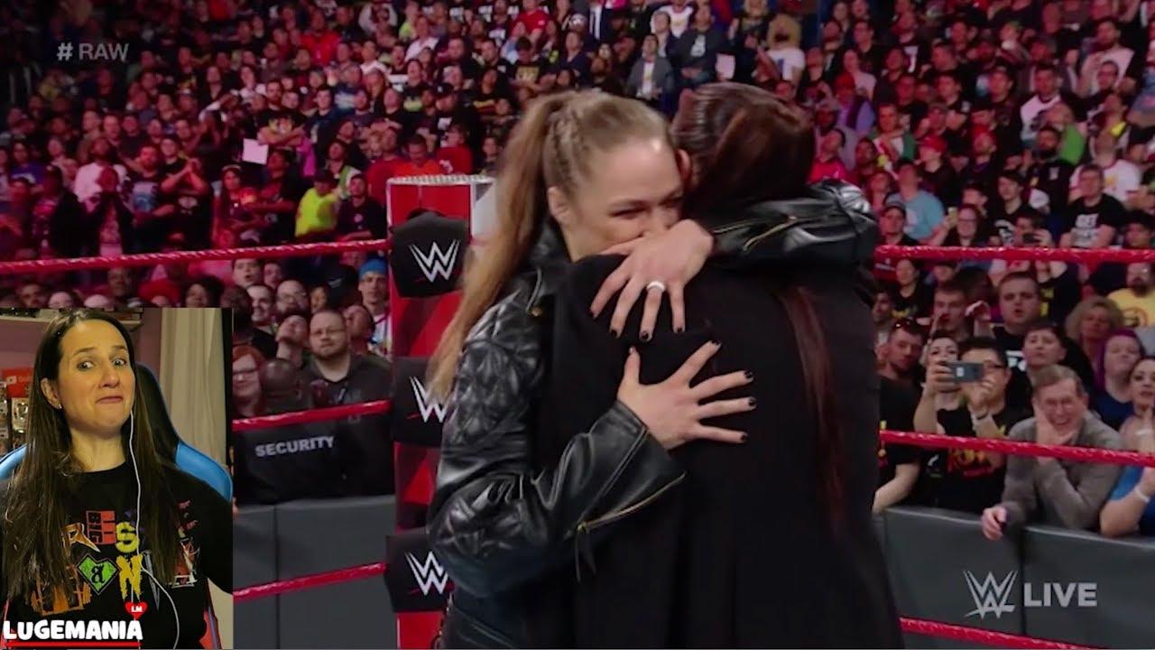 Wwe Raw 4 9 18 Ronda Rousey Hugs Stephanie Mcmahon Youtube
