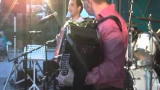 Fred LANGLAIS et Manu MAUGAIN jouent Retour des hirondelles et La Valse des As au festival de Cirey