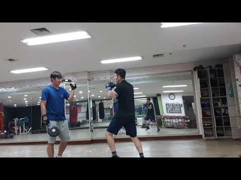 김대주작가 미트훈련