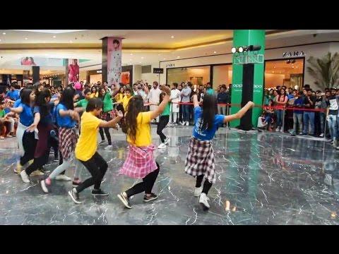 Fllash Mob Pahari NATI at Elante Mall by Girls | Himachali Folk Dance 2017