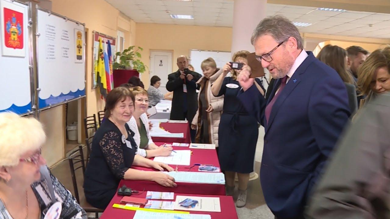 Титов проголосовал на выборах президента