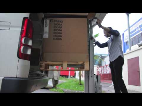 Cargo Master C400 - Heavy Duty Lift Series (The Specialist to Transport Heavy Vending Machines)