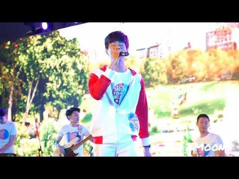 21Dec17  Tae เต้ - Vercase on the floor @ Sing for help2017, Emquartier