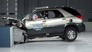 2002 Buick Rendezvous moderate overlap IIHS crash test