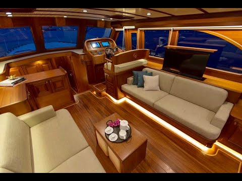 VICEM 58 CLASSIC -   Features Video   By BoatTEST com
