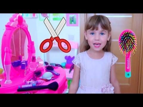 Ариша делает прически на День Рождения в Салоне Красоты для детей Наряжается в платье
