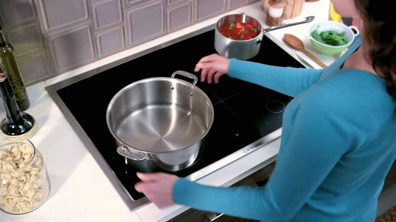 Table de cuisson à induction Electrolux - YouTube