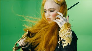 Grimes - You'll Miss Me When I'm Not Around Chroma Green Video