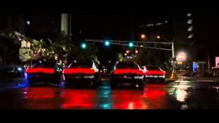 Rapido y Furioso 5- Carrerra en carros de policias