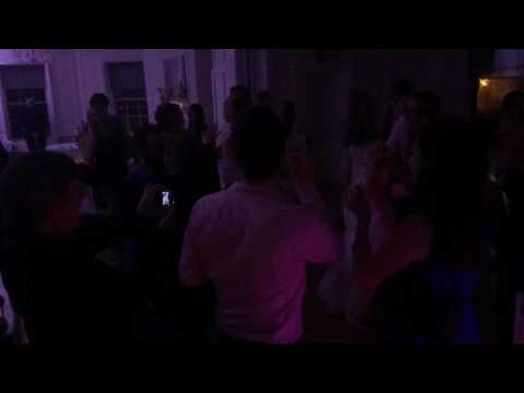 Cute wedding last dance