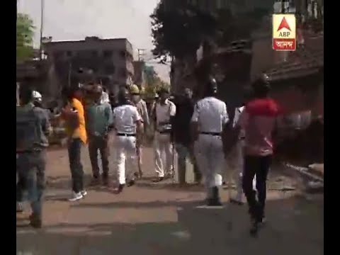 Policeman barred cameraman of ABP Ananda from taking footage after accident at Chingrighat
