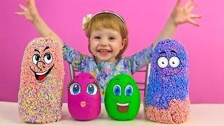 Настя и Заводные игрушки - сюрприз из шарикового пластилина