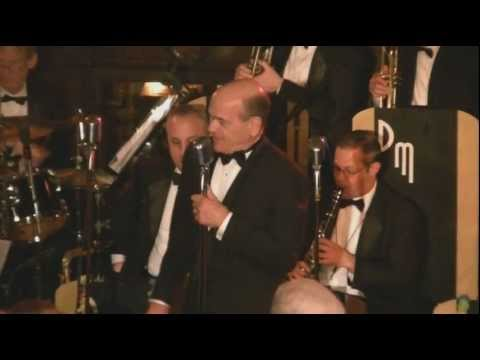 "Robert Picardo sings ""What Are You Doing New Year's Eve?"""