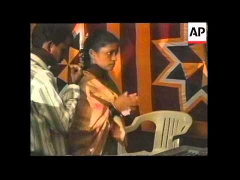 INDIA: BOMBAY: ANNUAL GANESH FESTIVAL
