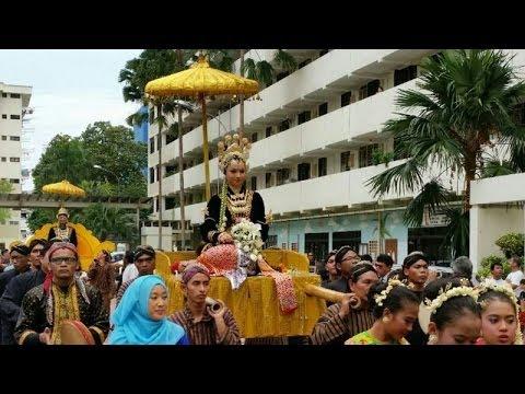 Traditional Javanese Wedding in Singapore - Shasha & Wandi