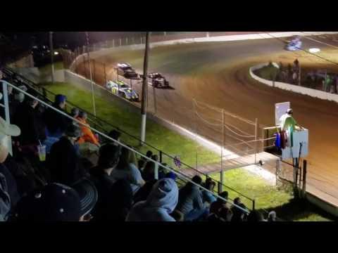 Modified trophy dash at Lake Cumberland Speedway 5/13/17
