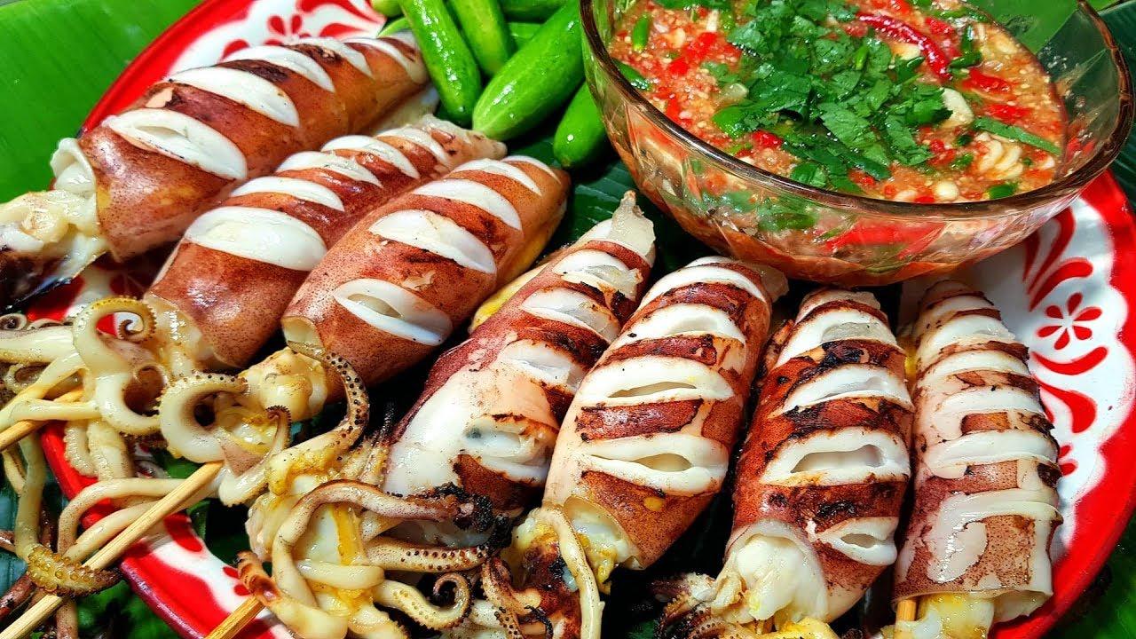 กับข้าวกับปลาโอ 623 : วันนี้วันเกิดคับ จัดหมึกไข่ย่าง ไข่แน่นๆ น้ำจิ้มซุปเปอร์แซ่บ Thai squid grill