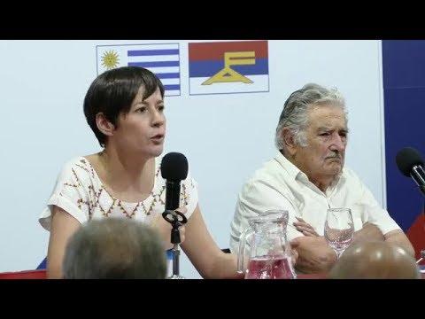 Palestra de Ana Pontón, Pepe Mújica e Frei Betto organizada polo MPP de Uruguai