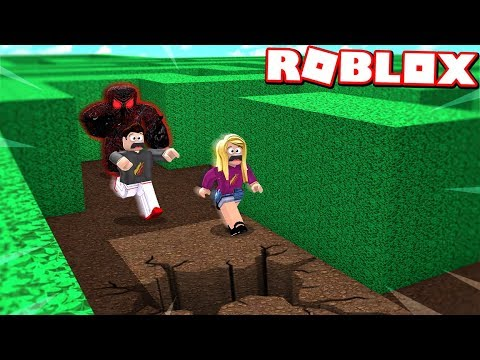 ROBLOX ESCAPE the BEASTS NEW HOUSE with MY WIFE! (Flee The Facility)