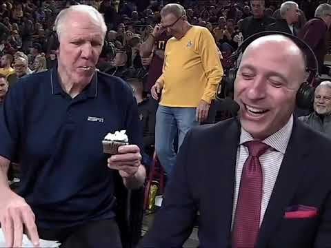 FAIL ! Bill Walton ate the cupcake — CANDLE AND ALL 😳