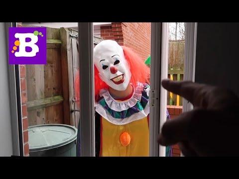 Scary Clown страшный клоун напугал детей в машине очень страшно