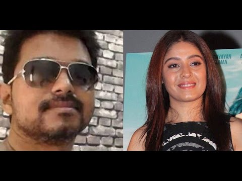 Vijay Sings Selfie Pulla Songwith Sunidhi Chauhanfor Kaththi!