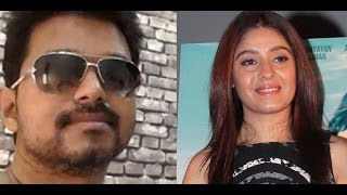 Cover images Vijay Sings Selfie Pulla Song  with Sunidhi Chauhan  for Kaththi!