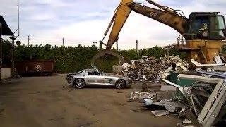 Mercedes SLS AMG'yi Parçalamak 7 Dakika Sürdü