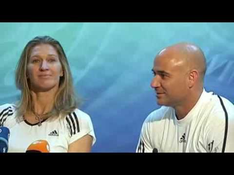 Graf and Agassi talk about Kim Clijsters' comeback
