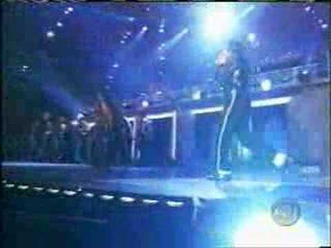 "Michael Jackson ""Beat It"" live"
