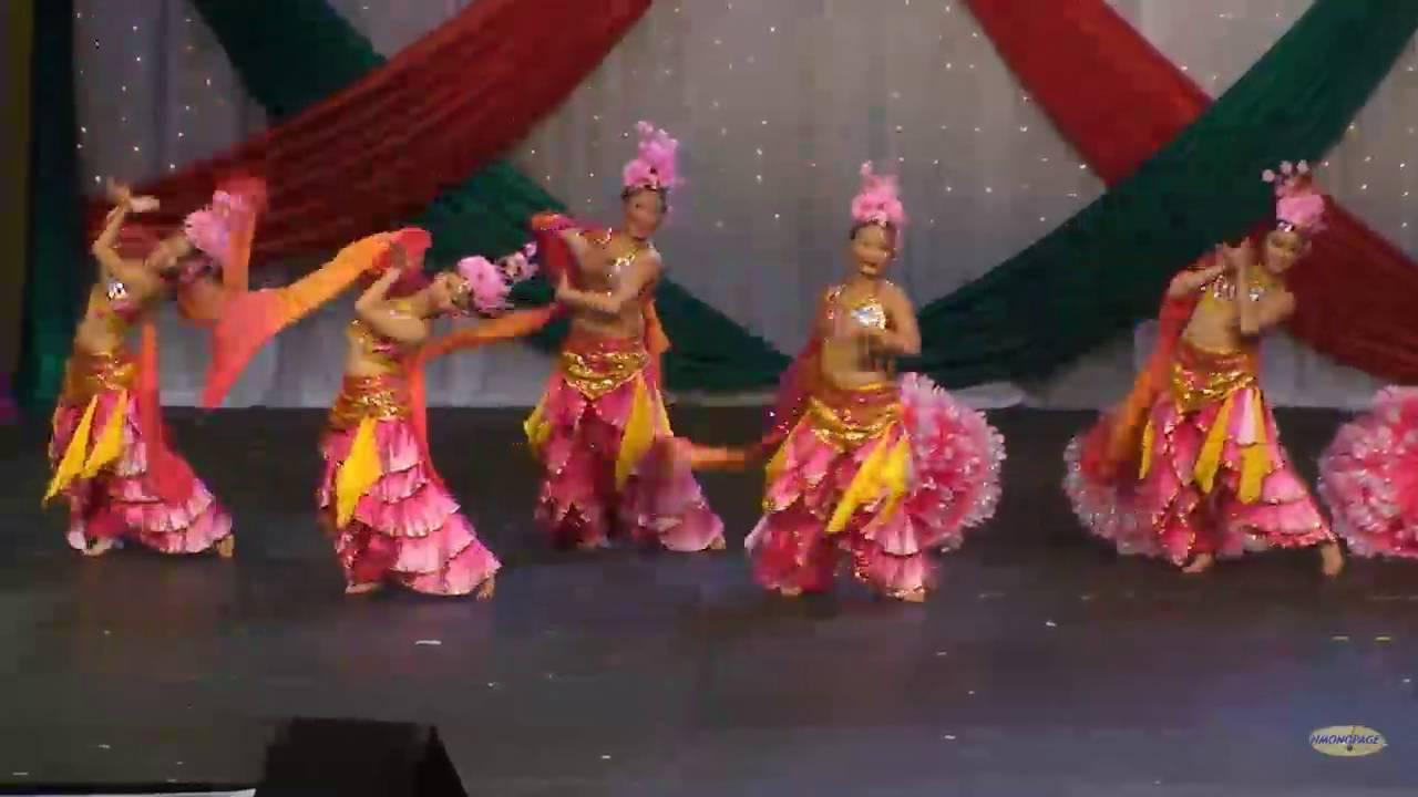 HMONGPAGE:  2011 Minnesota Hmong New Year Dance Competition - Nkauj Ntxuam Dej R2