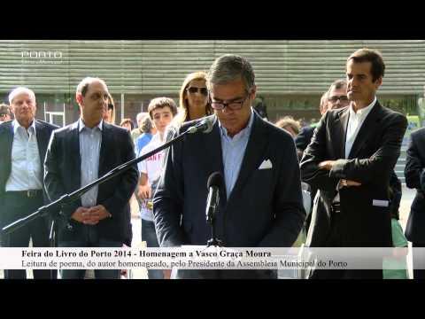 Leitura de poema pelo Presidente da Assembleia Municipal do Porto