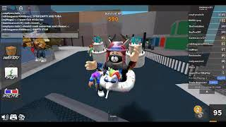 Playing roblox in compu (added lag)