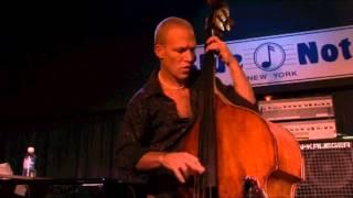 Video Avishai Cohen - 'Nu Nu' Live (Blue Note New York, 2006) download MP3, 3GP, MP4, WEBM, AVI, FLV Oktober 2018