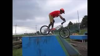 自転車の練習 2017 08 20 thumbnail