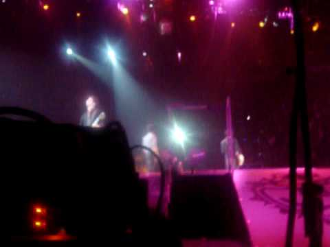 Concert des Jonas Brothers 261109  Play my music KEVIN **