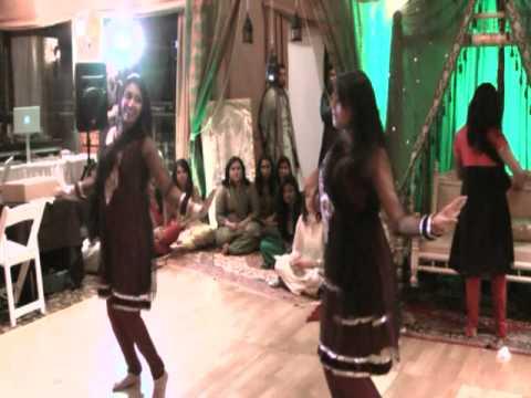 Preyanka, Emu & Praptee - Mehndi Medley Dance