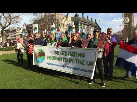 Londres: une manifestation défend le rôle des migrants