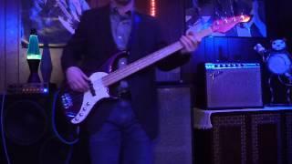 Dolly Parton - Jolene bass play-along