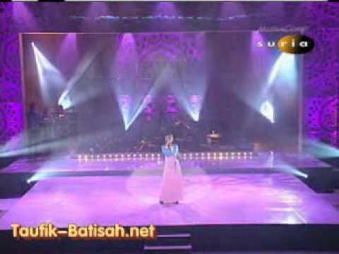 Siti Nurhaliza - Dialah Di Hati & Seindah Biasa ( live Muzika Ekstravaganza 2005 )